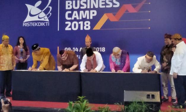 Inkubator Bisnis Berbasis Teknologi LPPM UPGRIS mewakili untuk penandatanganan kontrak PPBT 2018