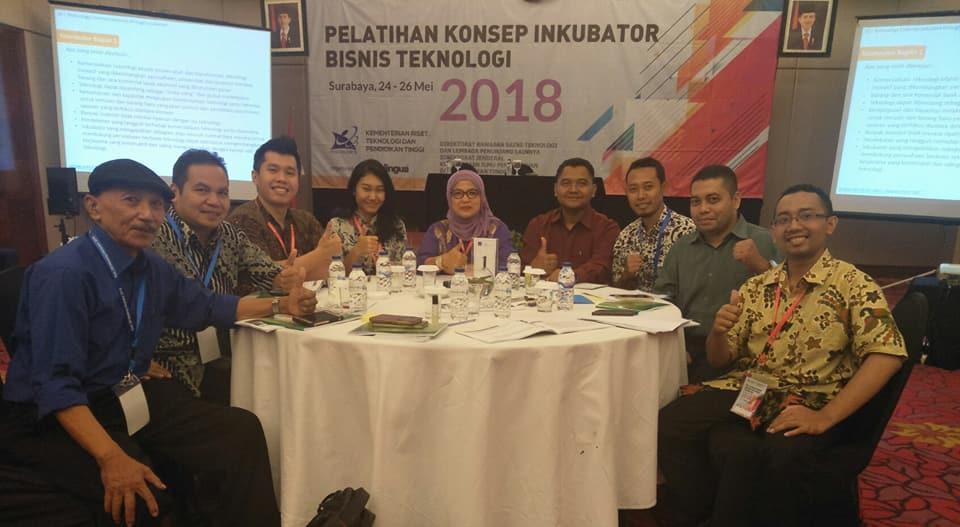 IBBT-LPPM UPGRIS) mengikuti Pelatihan Konsep Inkubator Bisnis Teknologi di Hotel Novotel Surabaya